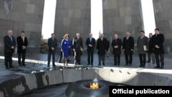 Armenia- German parliament speaker Norbert Lammert, visits the Armenian Genocide Memorial in Yerevan, 6Mar2013.