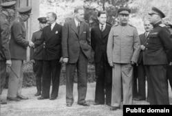 Иосиф Сталин на Тегеранской конференции. 1943 год