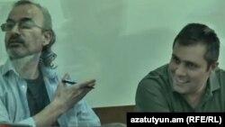 Ժիրայր Սեֆիլյանն ու Գևորգ Սաֆարյանը դատարանի դահլիճում: 13-ը հունիսի, 2017 թ․