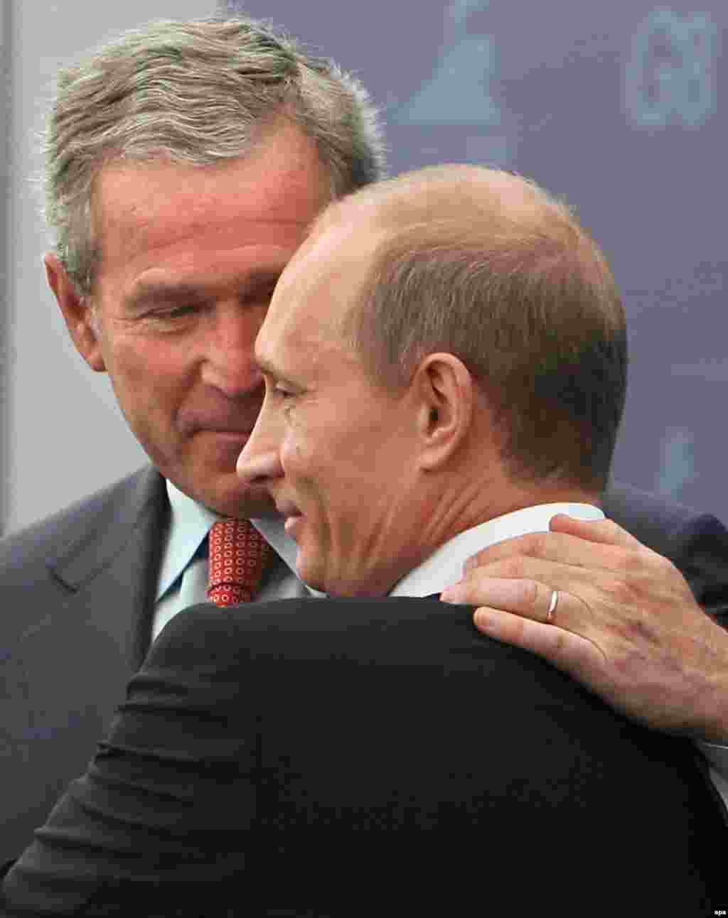 U.S. President George W. Bush (left) with his host, Russian President Vladimir Putin, at the G8 summit in St. Petersburg in July (epa) - U.S. President George W. Bush once had a famously warm relationship with Russian President Vladimir Putin. But Washington and Moscow were blunt in their comments in 2006 and the points of difference were substantive. However, the year ended on a positive note, with the United States lifting objections to Russia's entry to the World Trade Organization.