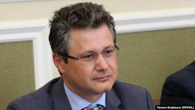 Petru Mihnea petrumihnea2019 on t