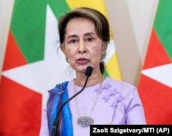 آنگ سان سو چی، رهبر ملکی میانمار