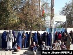 Чарга на выбарчы ўчастак у Кабуле.