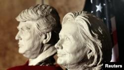 ԱՄՆ նախագահության թեկնածուների գիպսե կիսանդրիները ցուցադրվում են Մոմե տիկնիկների թանգարանում, Մադրիդ, Իսպանիա, 4 նոյեմբերի, 2017թ.