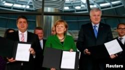 La semnarea acordului preliminar de guvernare...
