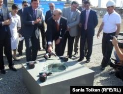 Церемония закладки первого камня завода ароматических углеводородов. Атырау, 4 сентября 2010 года.