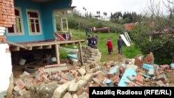 Torpaq sürüşməsi nəticəsində ev dağılıb, Astara, 2019