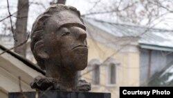 Памятник Мандельштаму в Москве