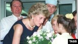 Королева сердец продолжает помогать людям и после смерти