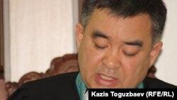 Әскери сот судьясы Асқар Қайыров. Алматы, 27 маусым 2014 жыл
