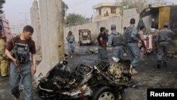 Pamje pas një shpërthimi të mëparshëm në Afganistan