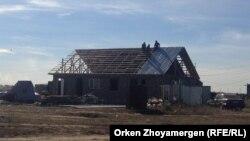 Строительство дома в селе близ Астаны. Иллюстративное фото.