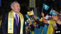 Президент Казахстана Нурсултан Назарбаев на форуме правящей партии «Нур Отан». Астана, 16 января 2012 года.