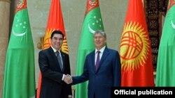 Түркмөн президенти Кыргызстанга келди