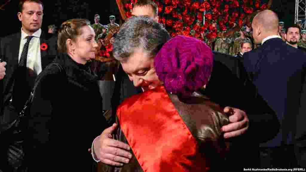 Президент привітав зі святом та поспілкувався з ветеранами Другої світової війни
