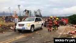 Последствия Торнадо в графстве Ли, штат Алабама, соседний с Теннесси, 3 марта 2020.