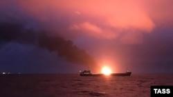Біля берегів Криму горять два танкери, 21 січня 2019 року