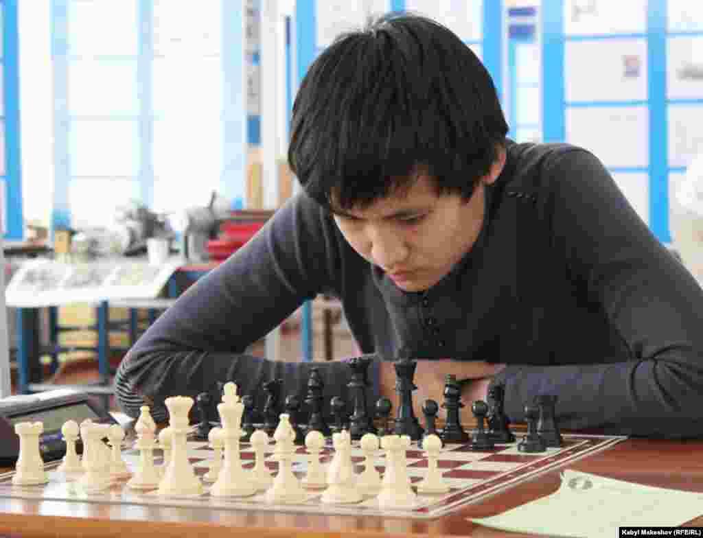 Шахмат боюнча Жогорку лигада өлкө аймагынан тандалган жана биринчи лигада жеңген 12 эр-азамат жана 12 кыз-келин 11 күн акыл таймаштарына катышты.