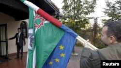 Полша -- Дуьненан Нохчийн Конгресс дIайолалуш, Нохчийн а, Европин а байракхаш ю хьешацIа су хьош. Пултуск, 16Гезг2010