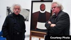 Сликарот Омер Калеши и писателот Јордан Плевнеш во Скопје.