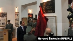 Otkrivanje spomen ploče u Novom Sadu