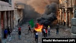آیتالله علی سیستانی استفاده از نیروی نظامی در برابر معترضان عراقی را محکوم کرد