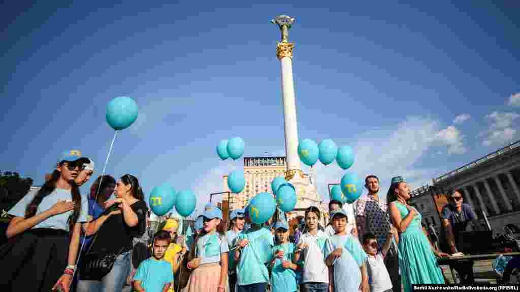 1999 жылдан бастап Қырым татарлары Межлисі Украина президенті жанындағы қырым татарларының ресми өкілдігі ретінде мойындалды. 2010 жылдан бастап маусымның 26-сы – Қырым татарлары туы күні ретінде атап өтіледі.