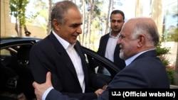 حمد بن حمد الرمحی، وزیر نفت و گاز عمان آذرماه ۹۴ برای دیدار و گفتوگو با وزیر نفت ایران به تهران سفر کرده بود