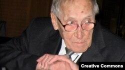 Лешек Колаковский (1927-2009)
