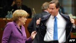 Ангела Меркель и Дэвид Кэмерон во время саммита ЕС в Брюсселе 29 октября