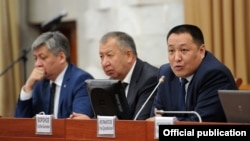 Кыргыз өкмөтүнүн мүчөлөрү