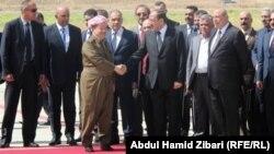 بارزاني يستقبل المالكي في مطار أربيل