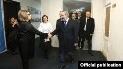 И. о. премьер-министра Армении Никол Пашинян посещает офис фонда, Ереван, 23 ноября 2018 г․
