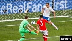 Чемпионат Европы 2016 г. Уэльс забивает гол в ворота сборной России