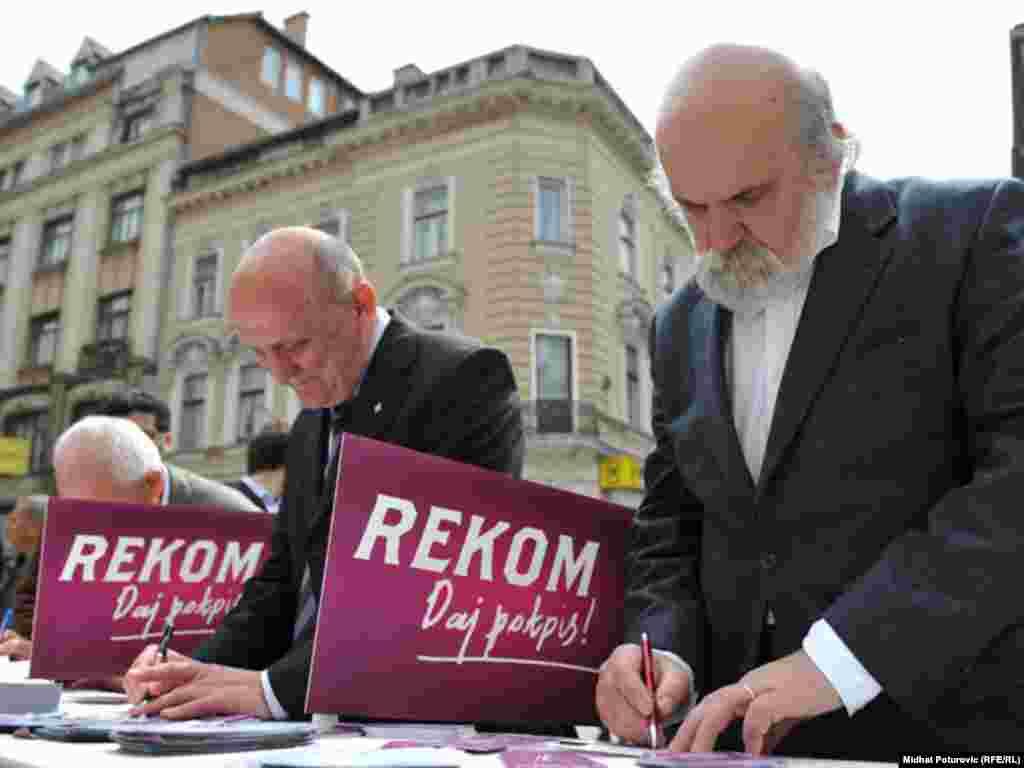 Javne ličnosti podržale REKOM, Sarajevo, 26.04.2011. Foto: RSE / Midhat Poturović