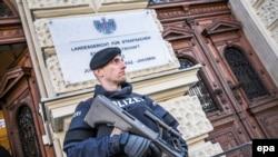 Полицейский города Грац, архивное фото.