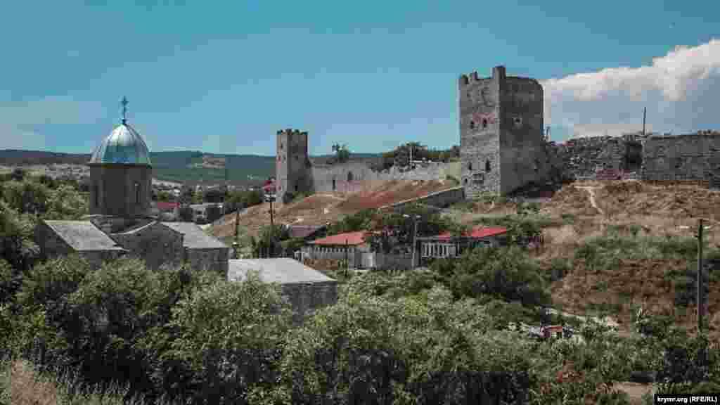 Руины старой крепости