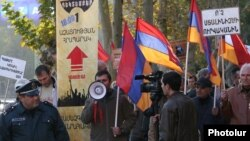 "Armenia - Opposition activists urge Armenians to join an upcoming ""civil disobedience"" campaign, Yerevan, 16Nov2015."