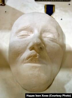 Посмертна маска Євгена Коновальця