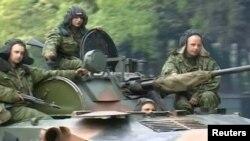 Militari ruși în regiunea separatistă Abhazia, mai 2008