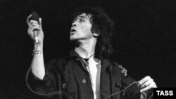 Viktor Tsoi, who died in a car accident on August 15, 1990, at the age of 28, would have turned 50 today.