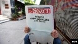 Sozcu гезити полициянын аракетине каршылык иретинде бош баракта чыкты.