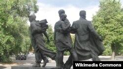 Пам'ятник воїнам-студбатівцям у Харкові