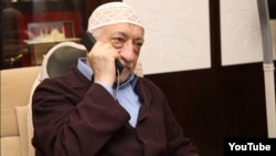 Фатҳуллоҳ Гулан.