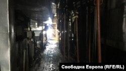 Един от коридорите в подземието на мавзолея