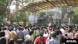 اعتراض دانشجویان همزمان با سخنرانی محمود احمدی نژاد بازتاب زیادی در رسانه های جهان داشته است.