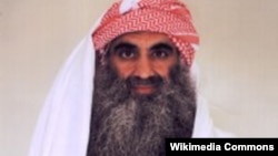 2001 жылы 11 қыркүйекте болған шабуылды ұйымдастырды деп айыпталып отырған Халид Шейх Мұхаммед.