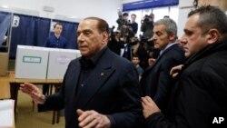 """Алга, Италия"" партиясынын лидери, экс-премьер-министр Силвио Берлускони."