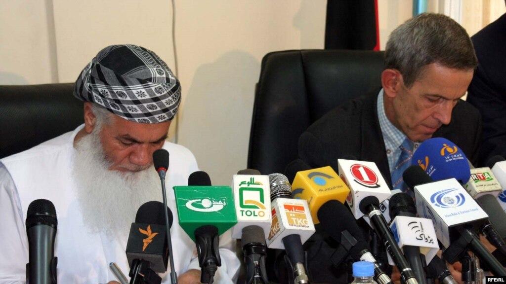 مهاجرت اسماعیل دوست قرارداد تنظیم آب دریا های آمو و پنج به امضا رسید