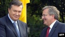 Президент України Віктора Янукович і президент Польщі Броніслав Коморовський на зустрічі в Варшаві, 29 вересня 2011 року